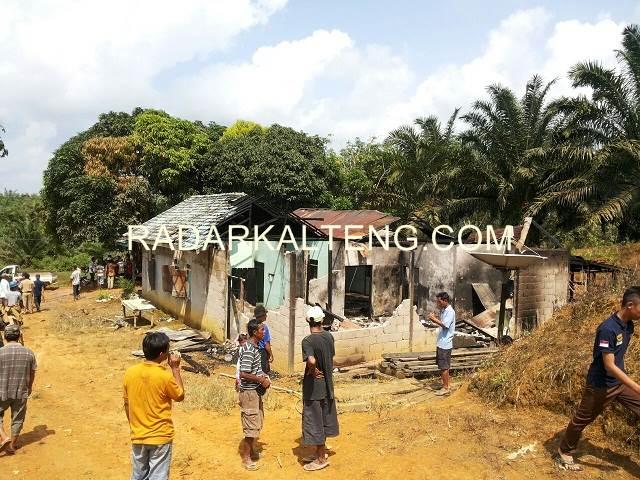 Kasihan! Suami Kerja dan Istri Cari Kayu Bakar, Rumah Malah Terbakar