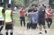 Coach ET Semangati Anak Muda Persepun FC Bermain Sepak Bola