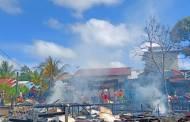 """""""Jago Merah"""" Hanguskan Tiga Rumah Warga Desa Muara Laung II"""