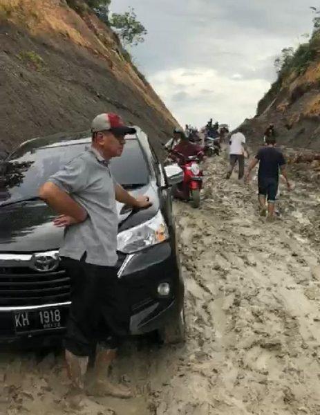 Curah Hujan Tinggi, Jalan Puruk Cahu - Sei Hanyo Rusak Berat