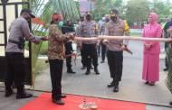Kapolres Seruyan Berganti, AKBP Bayu Disambut Ritual Potong Pantan