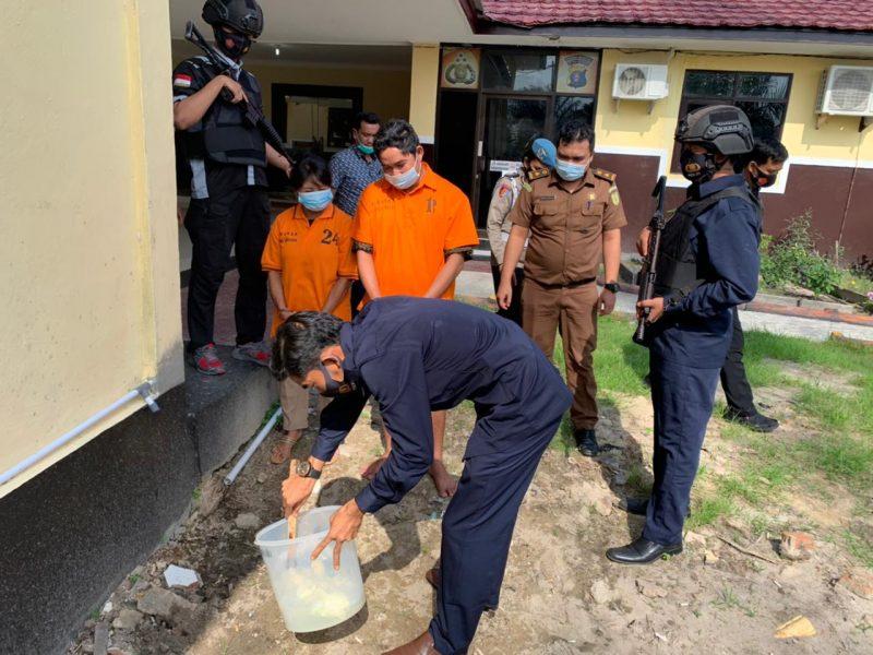 8,59 Gram Sabu Dicampur Air Detergen, Lalu Dibuang ke Selokan