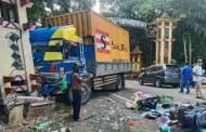 Ditabrak Truk Petikemas, Warga Maliku Tewas di Tugu Perbatasan Pulang Pisau-Kapuas