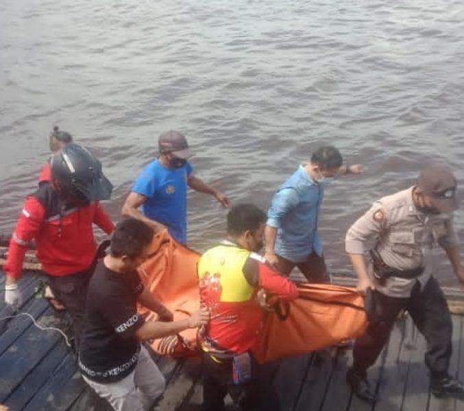 Mayat Tanpa Identitas Ditemukan Mengapung di Sungai Mentaya