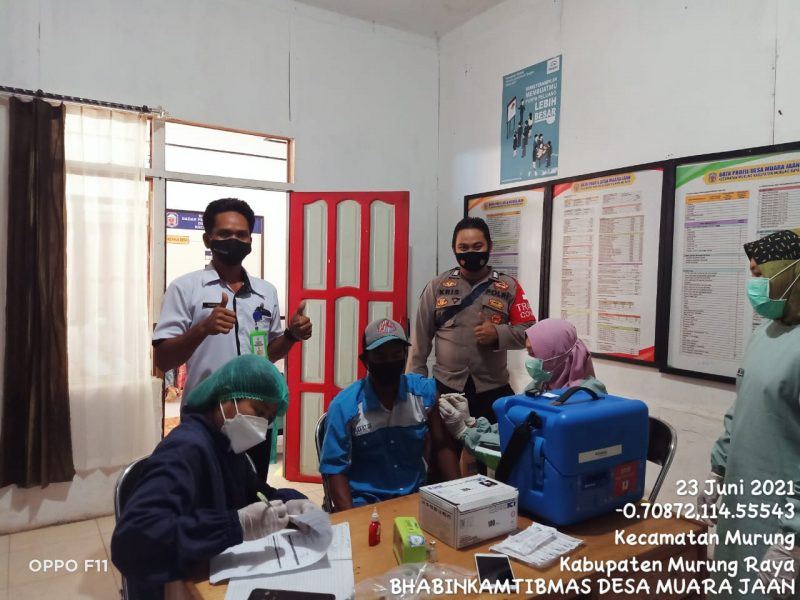 Sebanyak 64 Orang Warga di Desa Muara Jaan Ikuti Vaksinasi