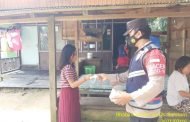 Keliling Desa, Bhabinkamtibmas Desa Bahitom Ajak Warga Disiplin Prokes