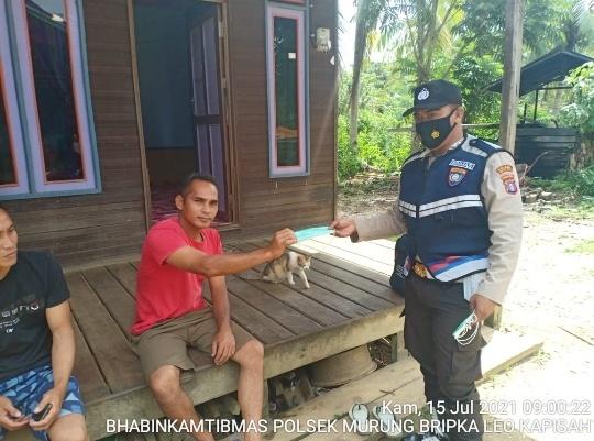 Sambangi Warga Binaan Bripka Leo Kapisah Ingatkan Pentingnya Prokes