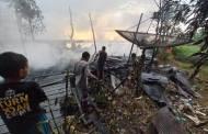 Diduga Disambar Petir, Rumah Warga Desa Mendawai Terbakar
