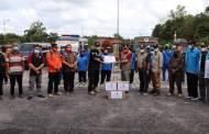 Datang Langsung ke Katingan, Wabup HST Salurkan Bantuan Korban Banjir
