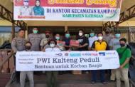 Ringankan Beban Masyarakat, PWI Kalteng Bantu Korban Banjir di Katingan